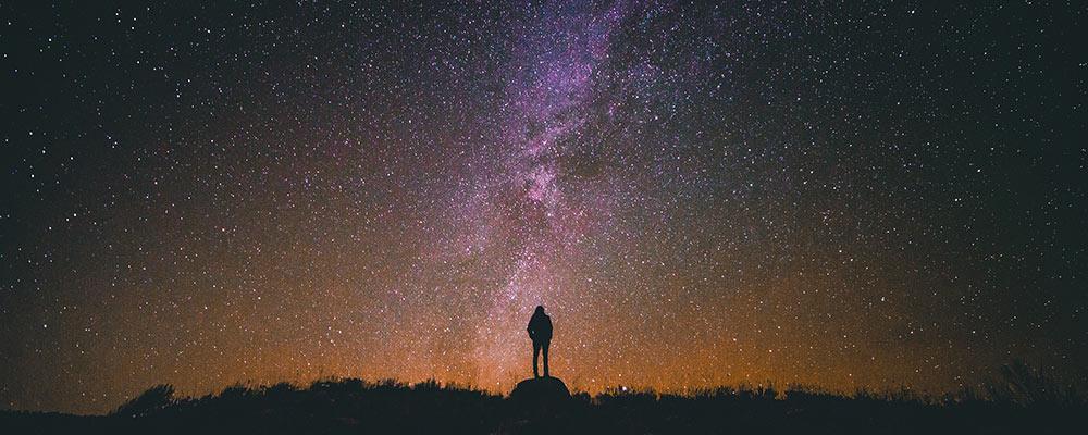 Astrologia e cartomanzia in linea: a chi affidarsi?